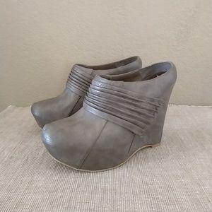Shoedazzle Dasha heeled ankle platform booties 8.5